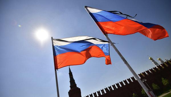 Флаги России на Красной площади, архивное фото