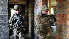 Американские военные во время совместных учений с армией Украины Fearless Guardian - 2015 на Яворивском полигоне