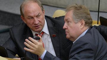 Депутаты Валерий Рашкин и Сергей Обухов. Архивное фото