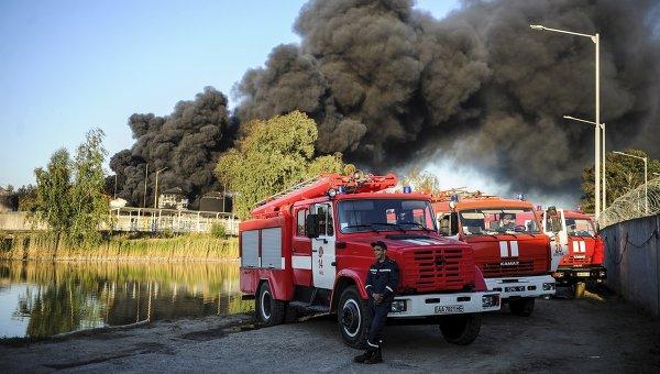 Пожар на нефтебазе под Киевом, 12 июня 2015