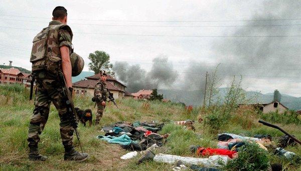 Французские солдаты из контингента НАТО в Каосов, архивное фото