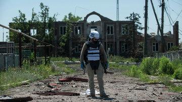 Наблюдатель миссии ОБСЕ под Донецком. Архиваное фото