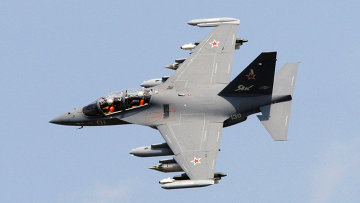 Самолет Як-130 . Архивное фото