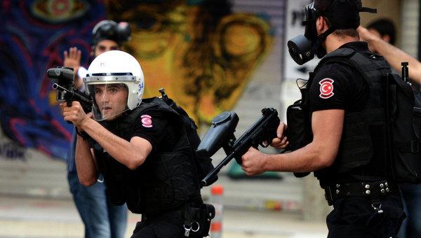 Турецкая полиция в Стамбуле. Архивное фото