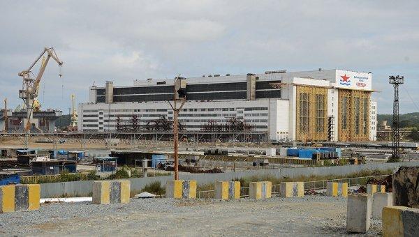 Здание ОАО Дальневосточный завод Звезда в городе Большой Камень Приморского края. Архивное фото