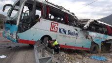 Автобус с туристами попал в крупное ДТП в Турции. Кадры с места аварии