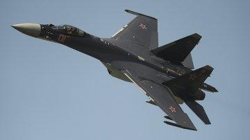 Истребитель Су-35. Архивное фото
