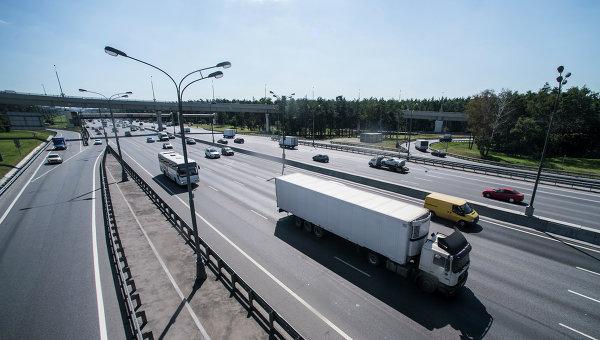 Движение транспорта по МКАД, Архивное фото