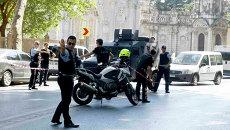 Полиция на месте стрельбы в центре Стамбула