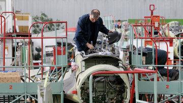 Сборка корабельных истребителей МиГ-29К/КУБ для ВМС Индии в Производственном комплексе №2 Российской самолетостроительной корпорации МиГ. Архивное фото
