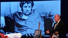 Михаил Швыдкой на церемонии прощания с актером и режиссером Львом Дуровым