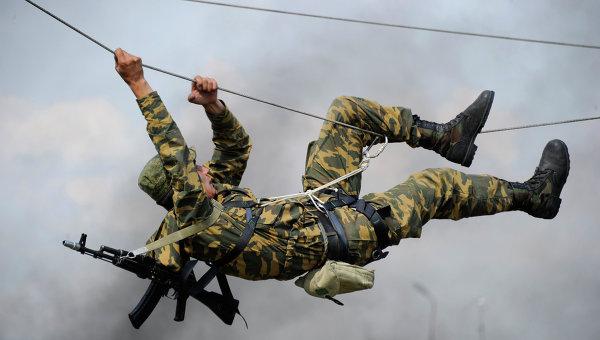 Военнослужащий армии РФ. Архивное фото