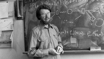 Физик Джон Белл в 1982 году