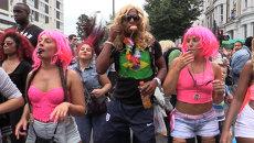 Карибский карнавал в Лондоне: яркие костюмы участников и зажигательные танцы