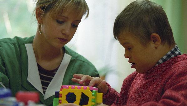 В Детском доме-интернате для детей-инвалидов, дауны