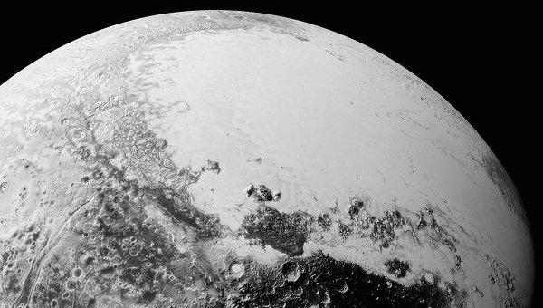 Изображение Плутона, полученное зондом New Horizons