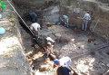 """Археологи проводят раскопки на месте бывшей гостиницы """"Россия"""""""