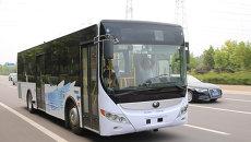Самоуправляемый автобус провез пассажиров по загородной трассе в Китае