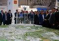 2 октября 2015. Председатель правительства России Дмитрий Медведев во время осмотра стендов инвестиционного форума Сочи-2015