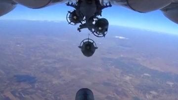 Бомбардировка позиций ИГИЛ в Сирии силами ВВС РФ. Архивное фото