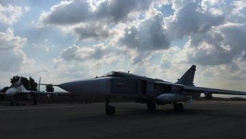 Российские самолеты готовятся к вылету на авиабазе Хмеймим в Сирии