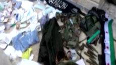 Сирийские военные показали захваченные у террористов трофеи в Тель-Скеке