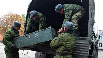 Отвод вооружений калибра менее 100 мм от линии соприкосновения в Луганской области. Архивное фото