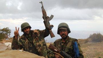 Сирийская армия и бойцы народного ополчения в горной гряде Джиб Аль-Ахмар. Архивное фото
