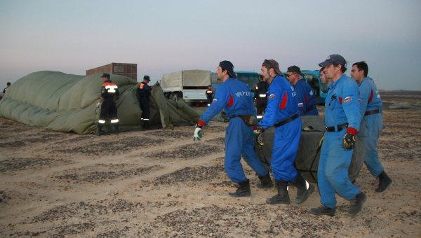Работа спасателей на месте крушения А321. Архивное фото
