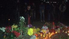 Одесситы зажгли свечи и выпустили в небо фонарики в память о погибших 2 мая