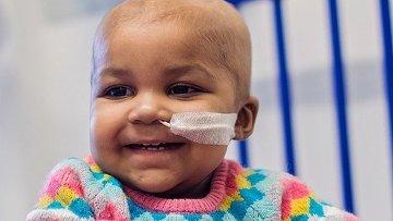 Годовалая Лейла, избавленная от лейкемии при помощи генной терапии