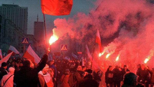 Марш националистов в Варшаве, Польша. Архивное фото
