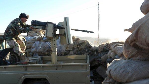Курдские военные у города Синджар на севере Ирака. 12 ноября 2015