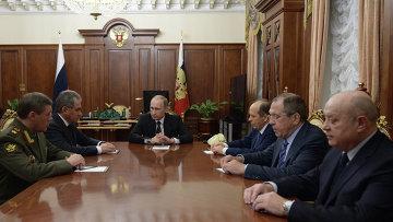 Президент России Владимир Путин проводит в Кремле совещание об итогах расследования причин крушения российского самолета