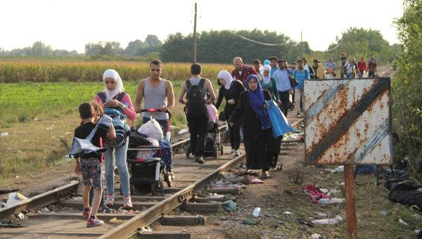 Беженцы, не успевшие перейти на венгерскую сторону. Архивное фото