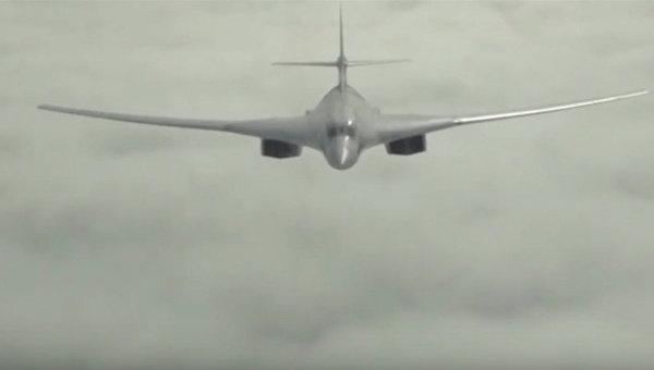 Кадр видео:  Массированный удар самолетами Дальней авиации по объектам инфраструктуры ИГИЛ в Сирии