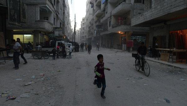 Беженцы из районов Сирии, захваченных боевиками Исламского государства. Архивное фото