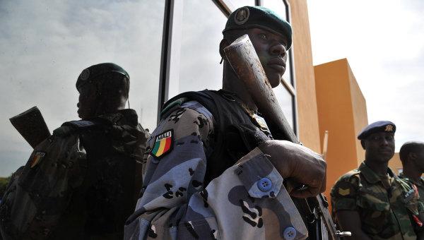 Вооруженные сотрудники жандармерии Мали. Архивное фото