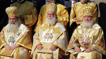 Божественная литургия на Соборной площади Киево-Печерской Лавры