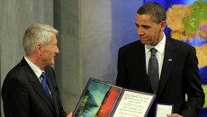Президент США Барак Обама на церемонии вручения Нобелевской премии мира в Осло, Норвегия. 10 декабря 2009
