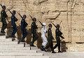 Турецкие солдаты у мавзолея Ататюрка в Анкаре