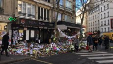 Кафе в котором произошел теракт в Париже. Архивное фото