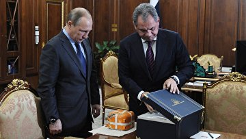 Президент РФ В.Путин встретился с министром обороны РФ С.Шойгу