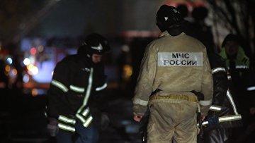 Сотрудники пожарной службы МЧС России. Архивное фото