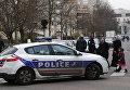 Французская полиция на месте нападения на учителя в пригороде Обервилье