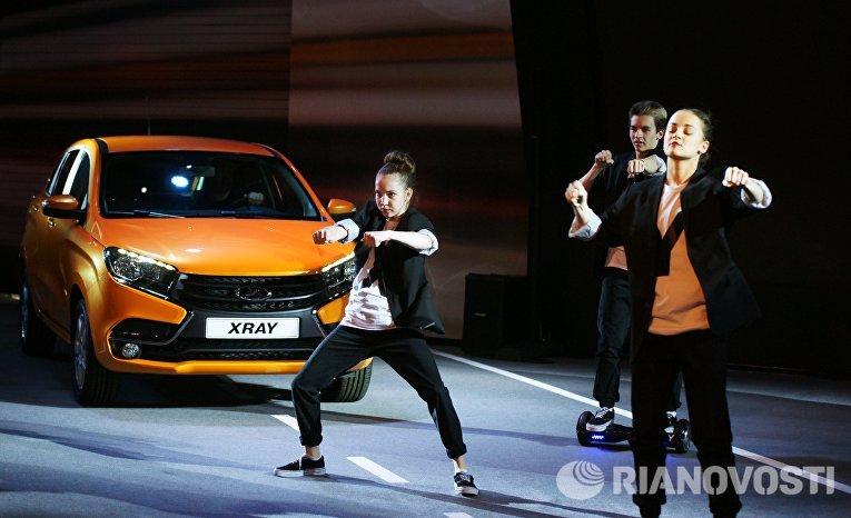 Торжественная церемония запуска производства новой модели АвтоВАЗа LADA X-Ray в Самаре