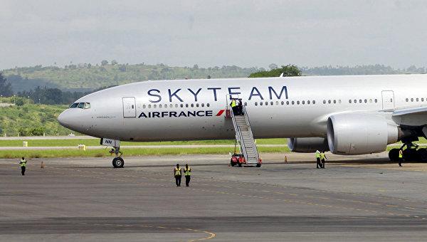 Самолет Boeing 777 авиакомпании Air France в аэропорту Кении