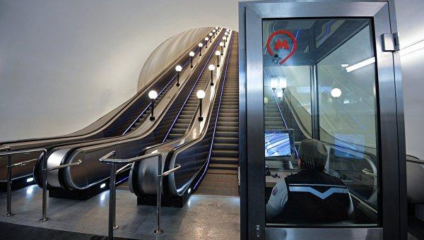 Эскалаторы на станции Бауманская. Архивное фото