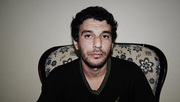 Керим Амара (Kerim Amara) – один из командиров отряда боевиков ДАИШ, взятый в плен курдскими силами самообороны в Сирии