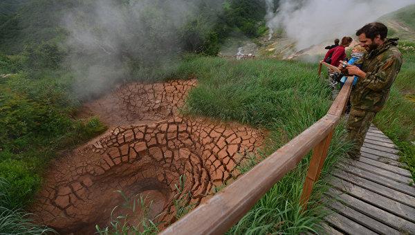 ВДолине гейзеров наКамчатке из-за непогоды застряли неменее 70 туристов